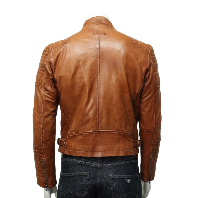 Update your casual look this winter with this Tanners Avenue cowhide leather bomber jacket. Crafted from contemporary camel-color leather, this classic jacket features a zip closure and a zip-out liner for perfect warmth every day.